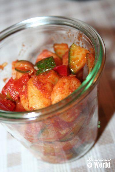 Gnocchisalat und Ingwer-Pfirsiche