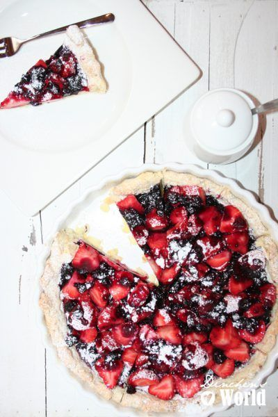 Erdbeer-Tarte mit Johannisbeermarmelade
