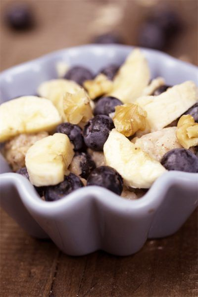 Kokos-Porridge mit Beeren-Mix