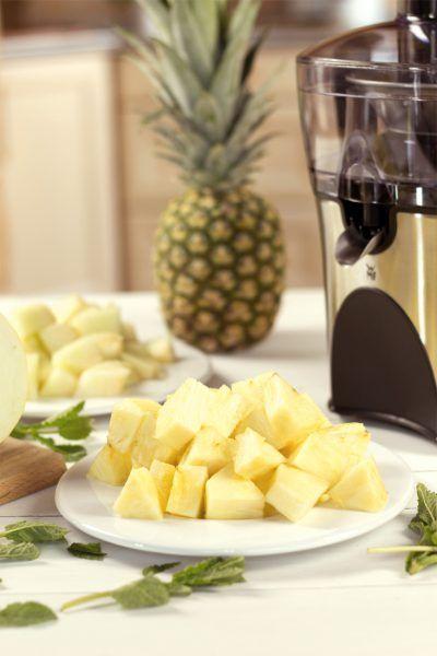 Ananas-Melonen-Saft mit Minze