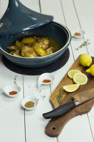 Hühnchen-Tajine mit Zwiebeln, Honig, Minze und Thymian