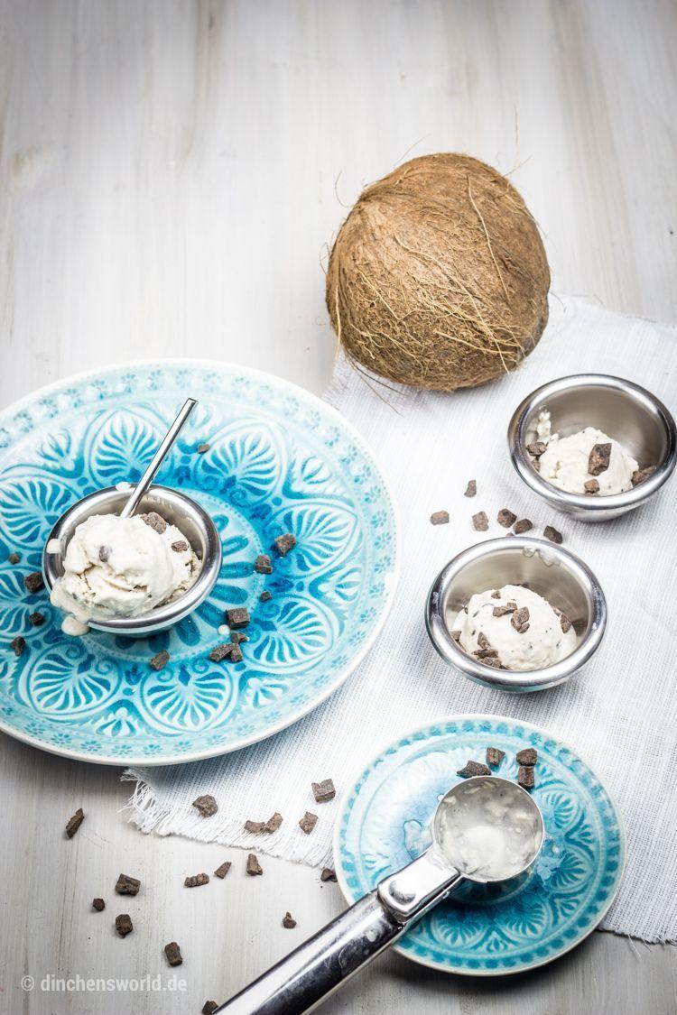 Rezept für veganes Kokos-Eis mit Schokostückchen by dinchensworld.de