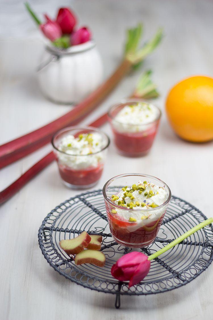 Rezept für Rhabarber-Himbeer-Dessert mit Mascarpone-Creme