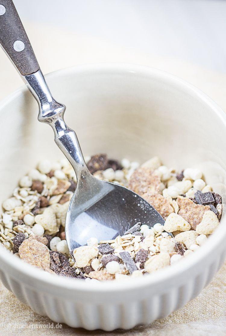 Rezept für Kokoscreme mit Mango-Mousse und Schokomüsli