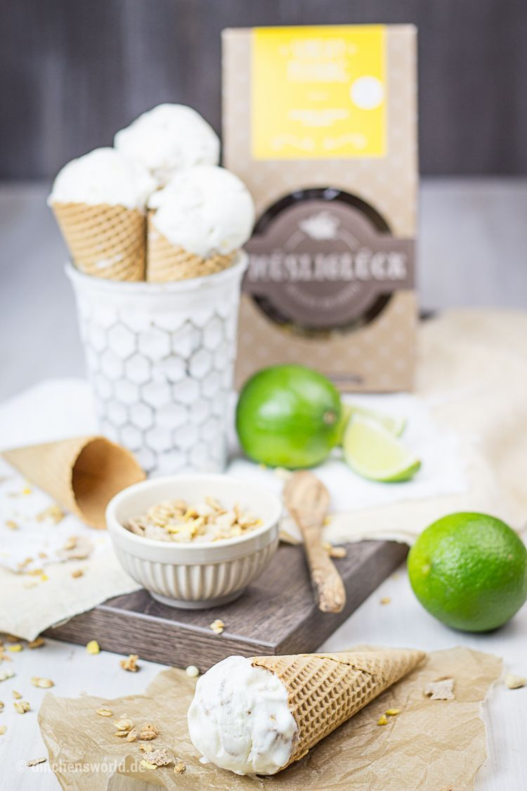 Rezept für Frozen Joghurt mit Limette und Honig-Crunch-Orangen-Müsli