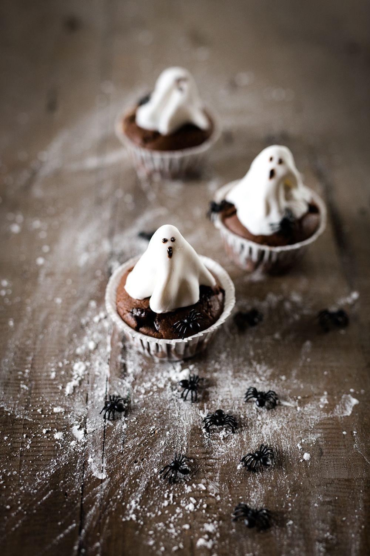 oreo-ghost-cupcakes-1