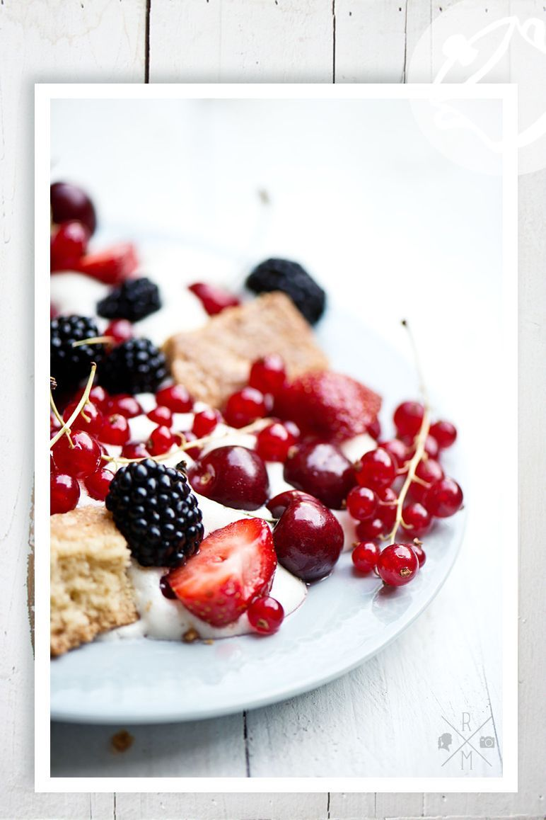 very berry trifle by relleomein.de