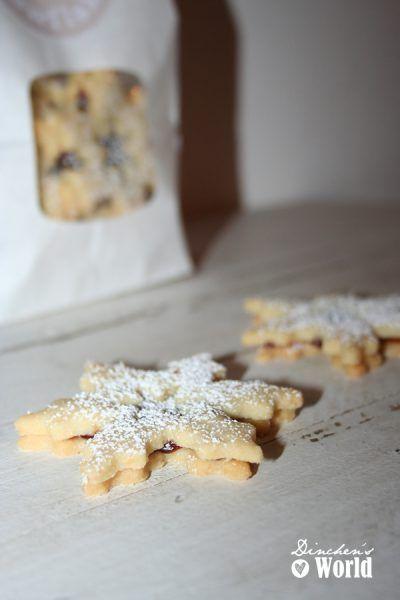 Schneeflöckchen-Kekse mit Winterpflaume