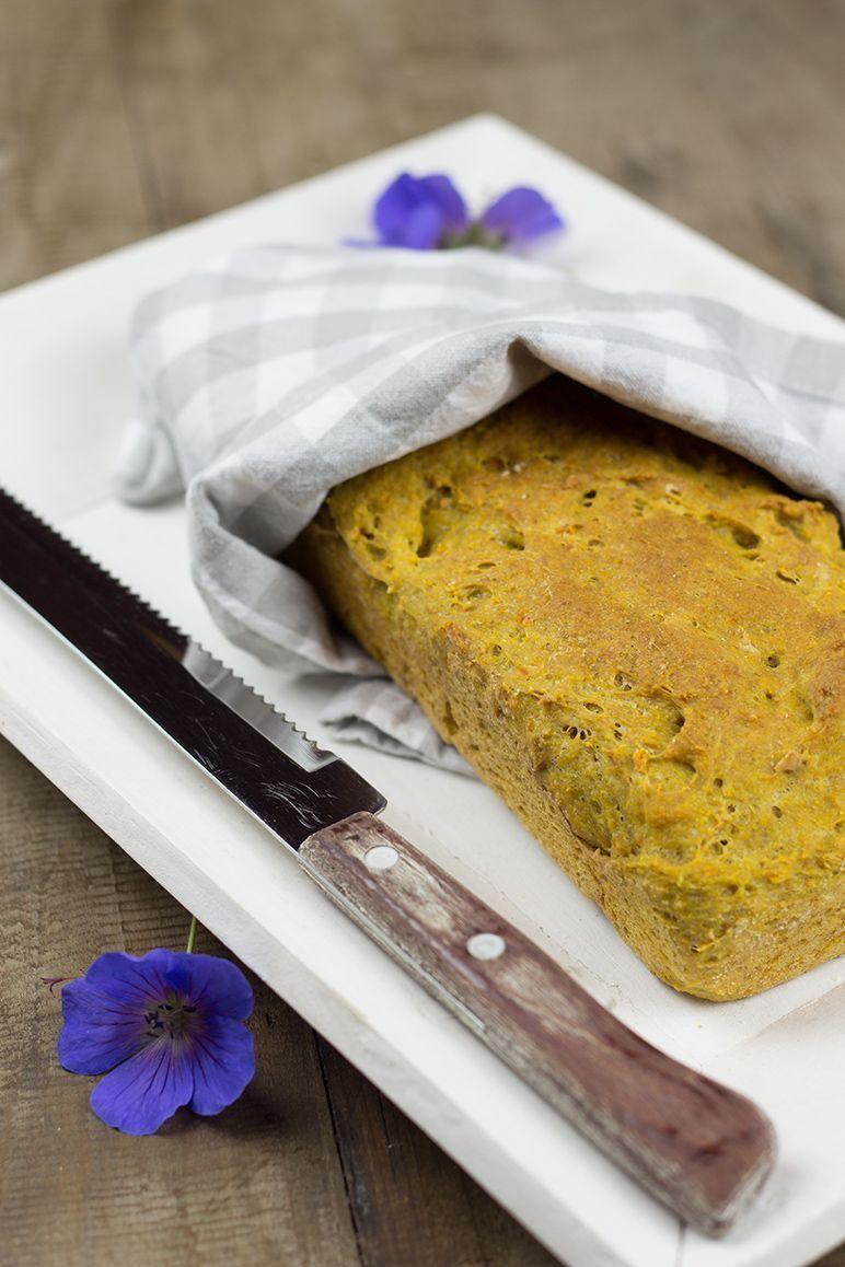 Möhrensaft und Möhren-Walnuss-Brot I dinchensworld.de