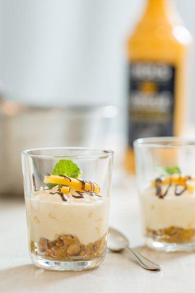 Eierlikör-Mango-Cheesecake im Glas – mein Rezept zur #Osterbäckerei mit BOLS Advocaat