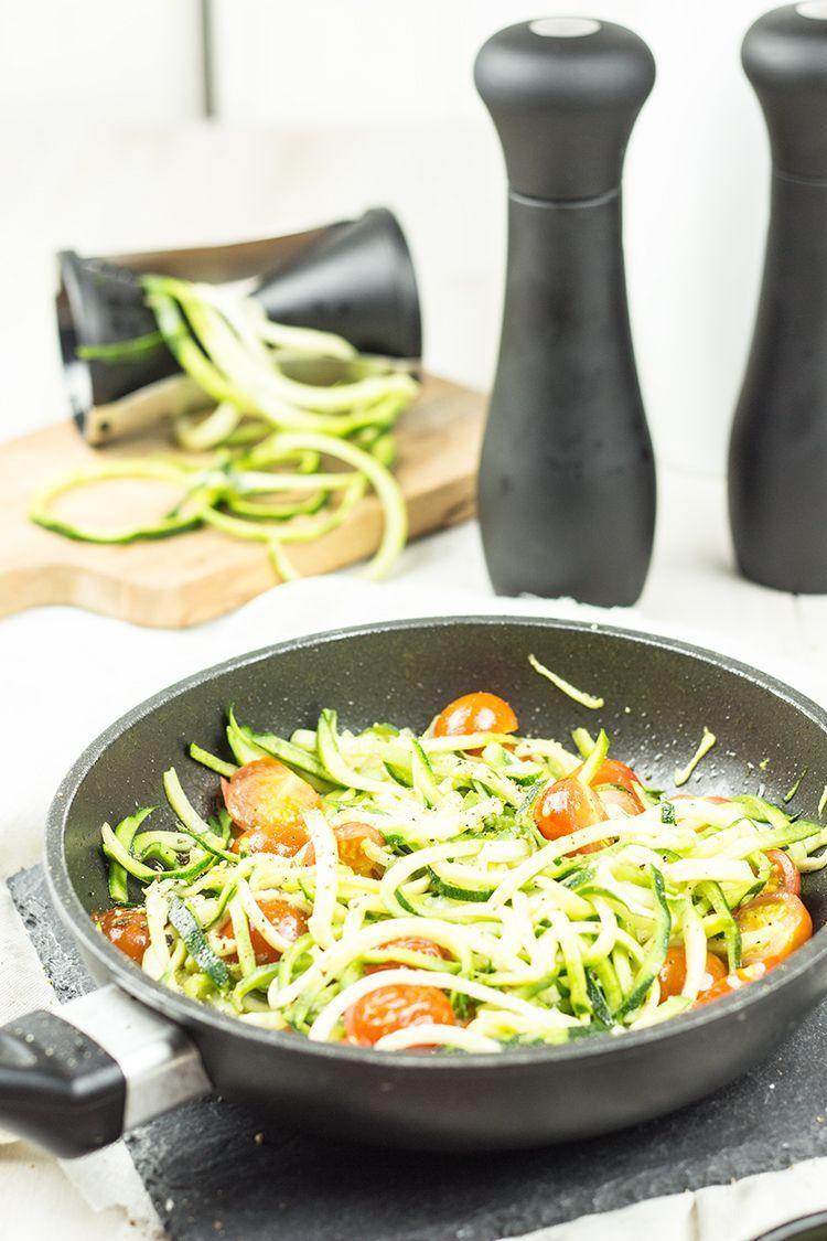 Rezept-Zucchini-Spaghetti-mit-Kirschtomaten