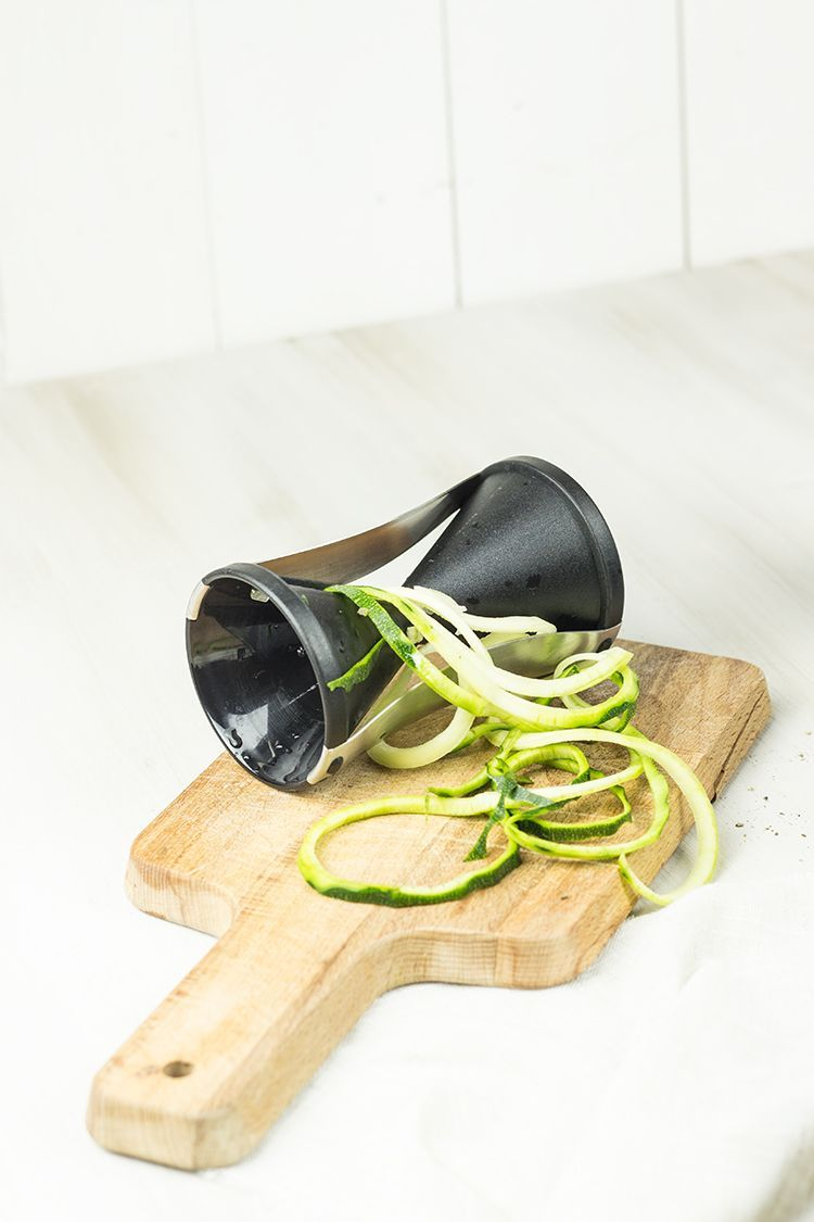 Zucchini-im-Spiralschneider