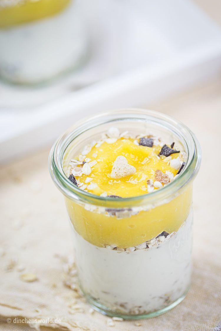 Rezept für Kokos-Creme mit Mango-Mousse und Schokomüsli