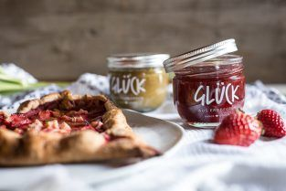 Galette-Herzen mit GLÜCK-Marmelade
