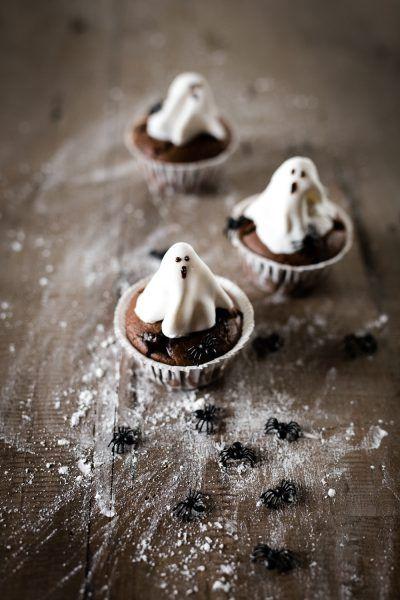 Oreo-Ghost-Cupcakes