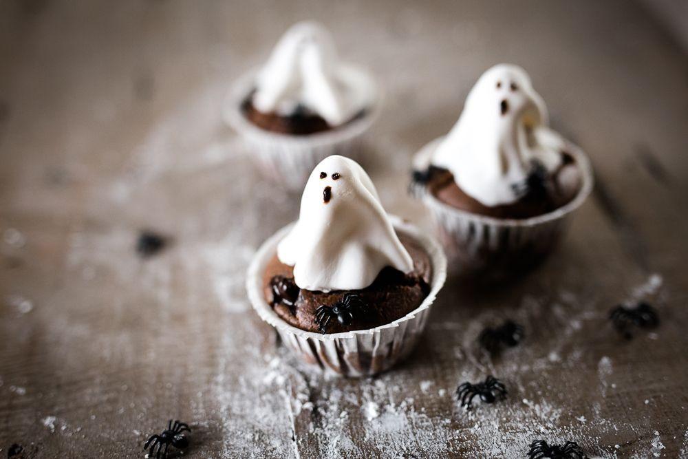 oreo-ghost-cupcakes-2
